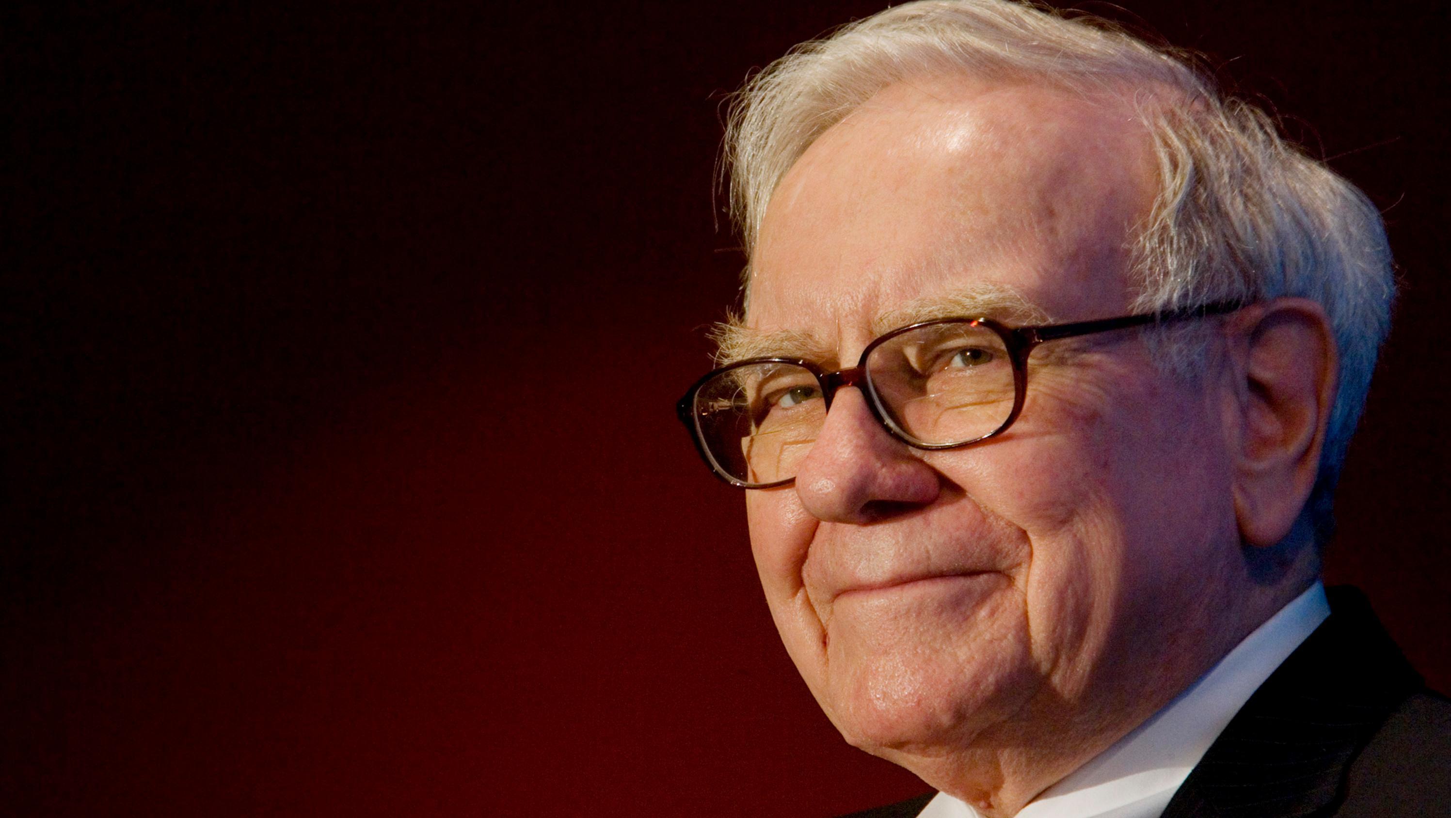 """Warren Buffett: """"Me divierto más que cualquier persona de 88 años"""" -  Noticias económicas, financieras y de negocios - El Cronista"""