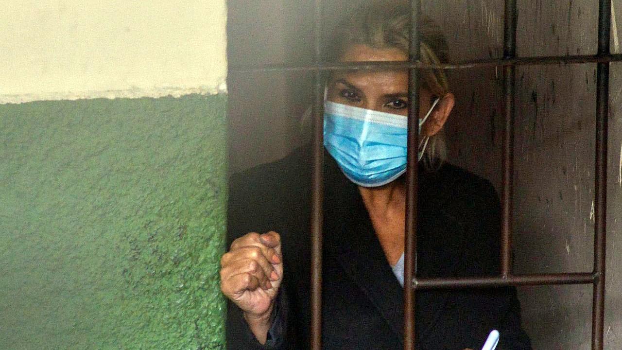 Dictan cuatro meses de prisión para Jeanine Añez pero el Gobierno quiere 30  años - El Cronista