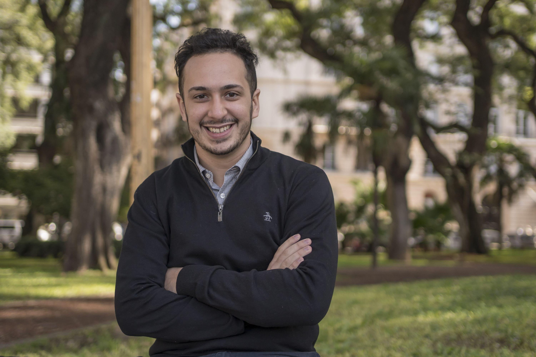Bulat lo inspiró a ser economista y hoy, con 24 años, trabaja en uno de los  estudios más importantes - El Cronista